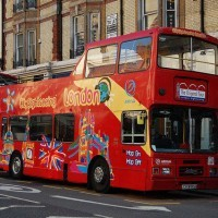 Visit London travelling on our Hop-on Hop-off bus. You can hop-on and off as many times you like at designated bus stops. Create your own itinerary or follow ours.