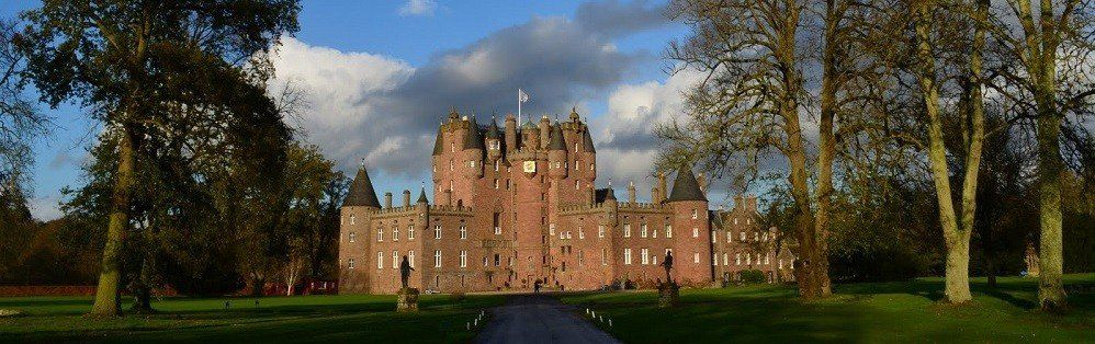 This tour has been designed to show you the best castles around Scotland, enjoy this experience and learn something more about Scottish mysteries and ghosts!